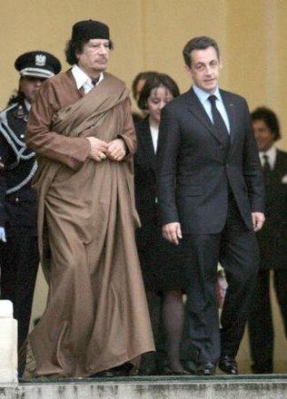 316_1197312258_Gadafi-y-Sarkozy-EFE